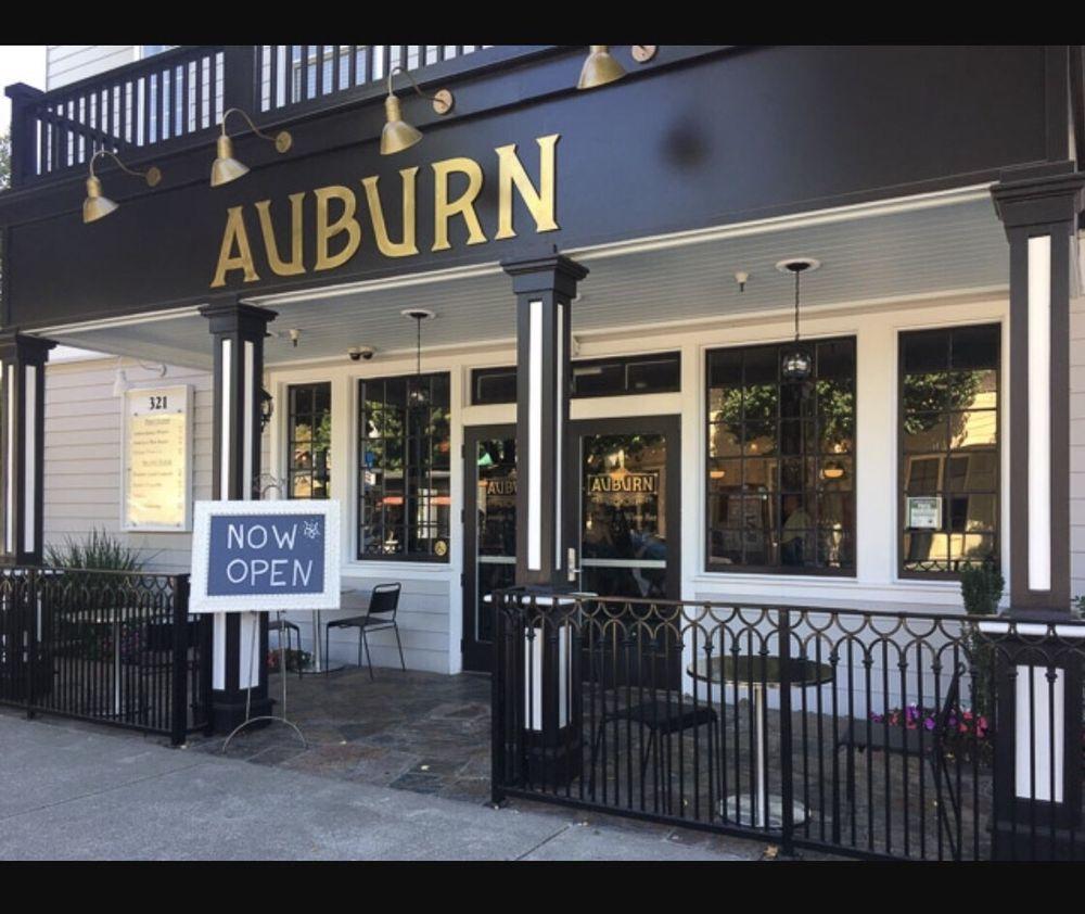 Auburn lounge and wine bar