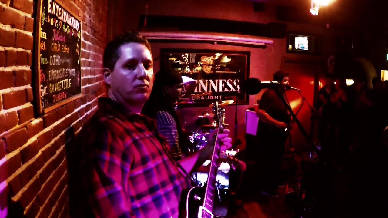 Meenars Bar in Danville, CA